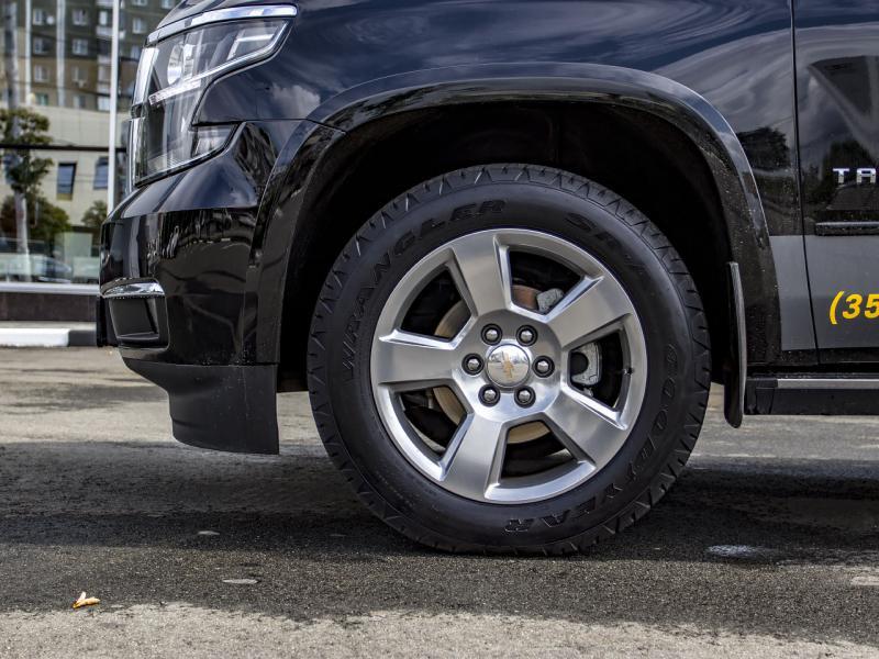 Chevrolet Tahoe 6.2 AT 4WD (426 л.с.) Premier