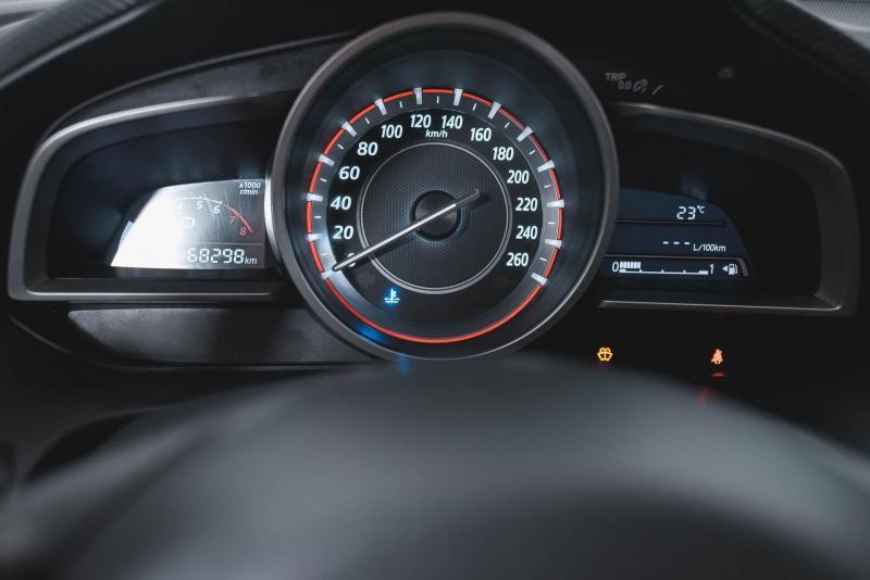 Mazda 3 1.6 AT (104 л. с.)