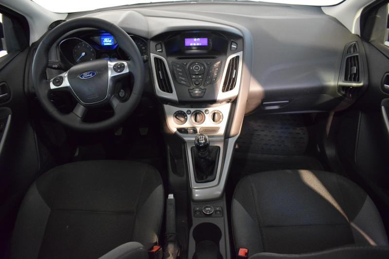 Ford Focus 1.6 MT (125 л. с.)