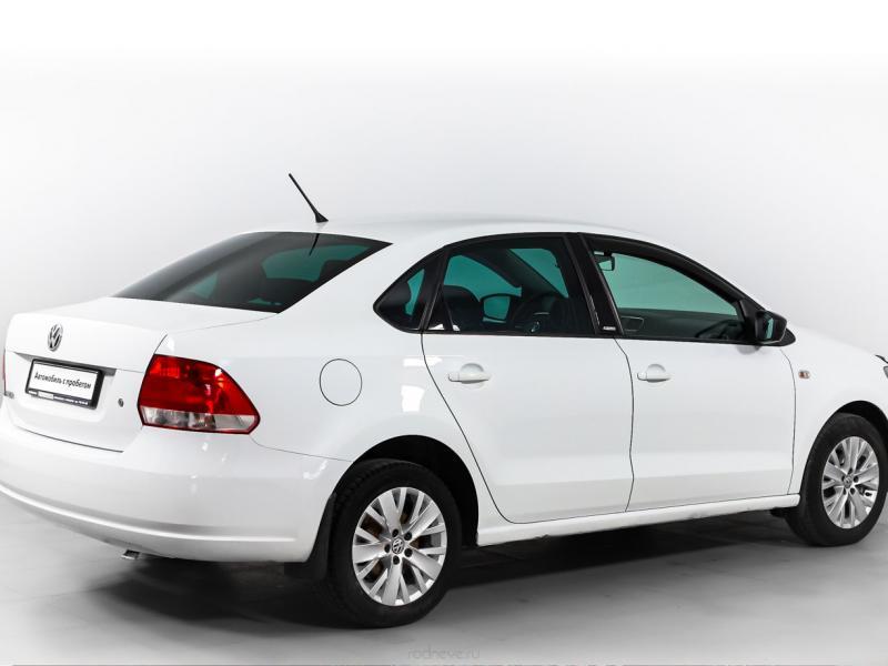 Volkswagen Polo 1.6 MT (105 л. с.)