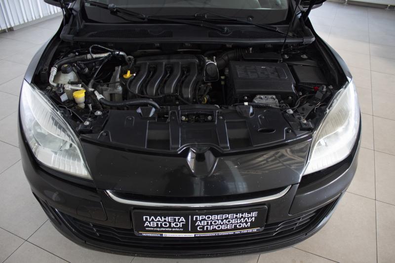Renault Megane 1.6 MT (110 л. с.)