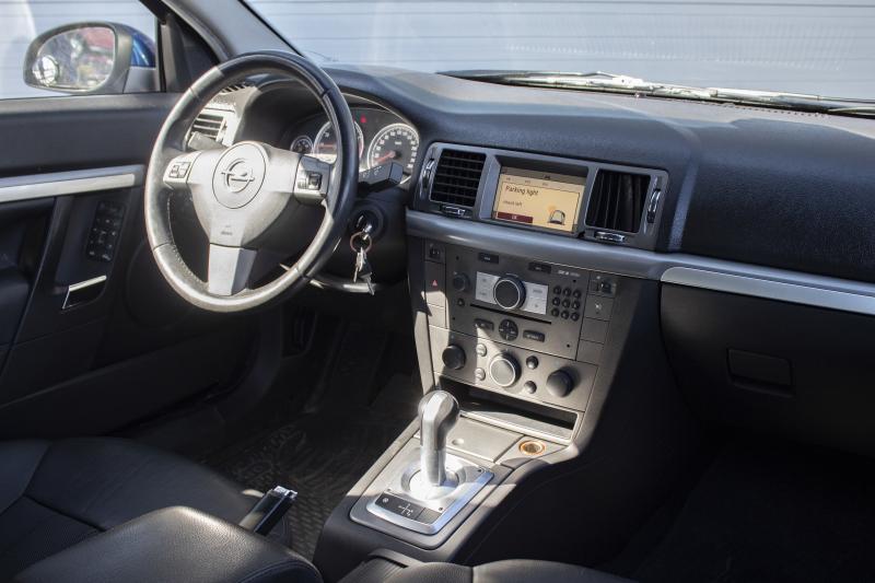 Opel Vectra 1.8 MT (140 л. с.)