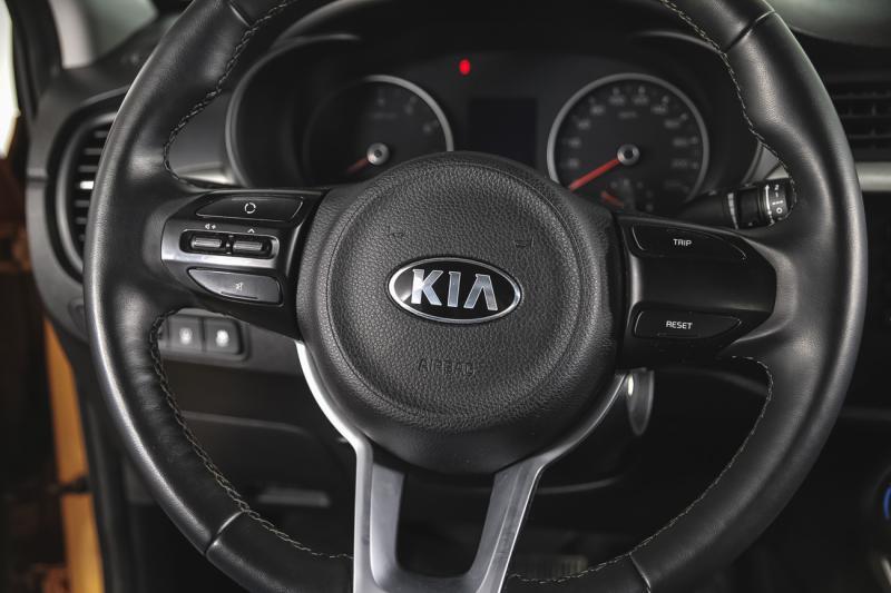 Kia Rio 1.6 AT (123 л. с.)